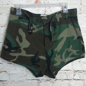 Team swimmer shorts